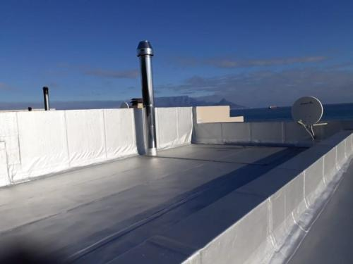 flat roof waterproofign torch on